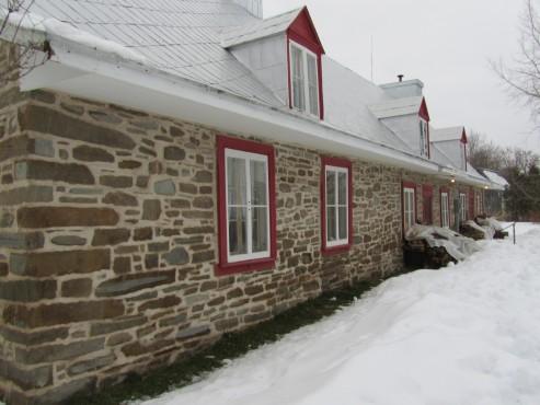 Après - 14, rue Adrien-Laberge, Ange-Gardien (Québec) - Décapage Patrimoine, pierre des champs